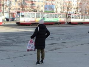 В Челябинске водители и кондукторы трамваев и троллейбусов работали без выходных. Прокуратура провела проверку