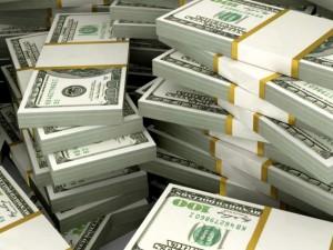 Две сумки с миллионом долларов семья нашла на прогулке
