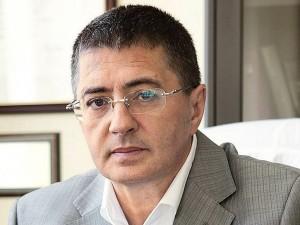 Мясников оценил возможность отмены режима самоизоляции в России: «Слава богу, не я решаю»