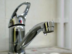 В администрации Челябинска сказали ждать, в водоканале мягко послали. В Новосинеглазово уже два дня нет воды