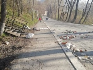 В Златоусте коммунальщики отказались выполнять свою работу: город утопает в мусоре