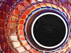 Миру не нужен новый гигантский электронный коллайдер, считает известный физик