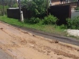 До первого дождя. Дороги ремонтируют глиной в Челябинской области