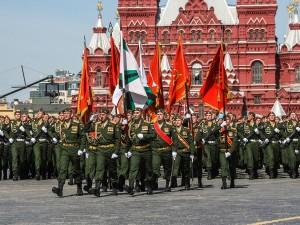 «Обрывистая» рабочая неделя началась в России