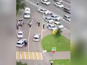 В полицейских стреляли в Москве. Двое стражей порядка в тяжелом состоянии