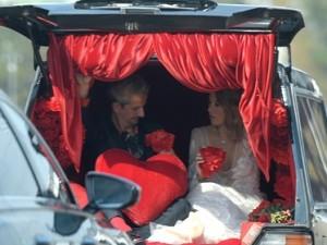 «Простая белая девушка» Собчак заметила, что похороны Джорджа Флойда похожи на ее свадьбу