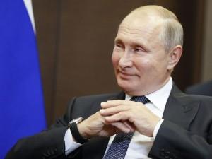 Диктатуры не будет, заверил Путин, говоря о поправках в Конституцию