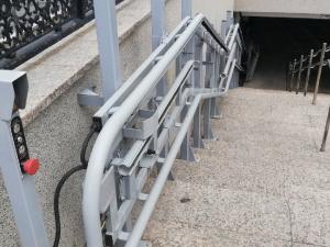 Установили для галочки? Подъемники в подземном переходе в центре Челябинска так и не запустили