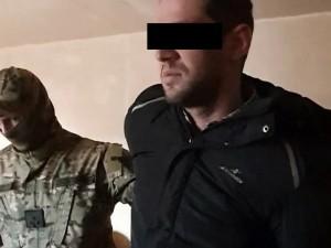 В Хабаровске изъяли оружие и бутылки с зажигательной смесью