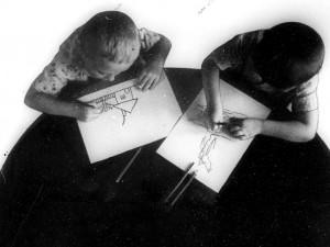 Можно ли в детской фотографии разглядеть будущий талант: истории двух знаменитых снимков