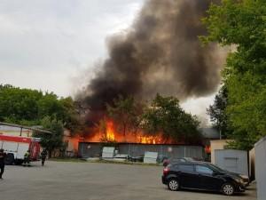 Большой пожар случился в Челябинске