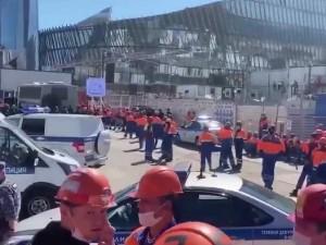 500 строителей «Лахта центра» в Петербурге забастовали