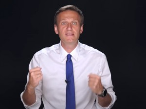 Навальный закрывает Фонд борьбы с коррупцией. Но продолжает оппозиционную деятельность