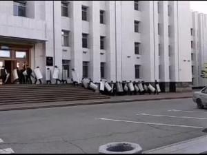 ОМОН готовится подавлять протесты в Хабаровске? Но предпосылок для этого нет