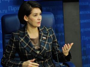 Вместо 10 тысяч выплачивать более миллиона рублей пострадавшим от вакцинации предлагает сенатор из Челябинска