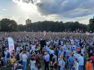 Многотысячный митинг собрался в Минске: Лукашенко бросили вызов