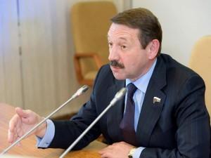 Он голосовал за повышение пенсионного возраста. Депутат Геннадий Скляр