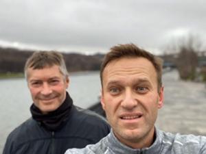 К родителям Алексея Навального обратился политик Евгений Ройзман