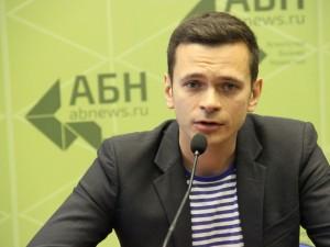 Устранение Навального выгодно Путину, считает Илья Яшин