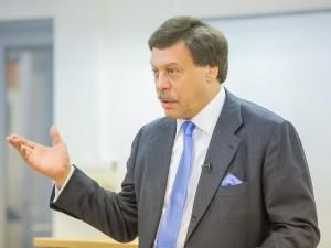 Заслуженного юриста России обвинили в изнасиловании