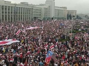 250 тысяч человек вышли на улицы Минска с протестом в воскресенье