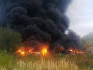 Сильный пожар между Челябинском и Копейском напугал южноуральцев