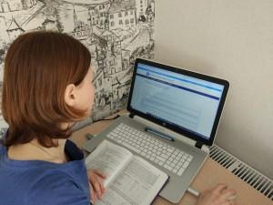 Переходят на дистанционное обучение школы и классы в России