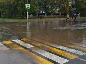 После сильных дождей подтопило Еманжелинск, ходить и ездить по городу невозможно
