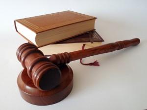 Досрочное увольнение с альтернативной службы возможно только через суд?
