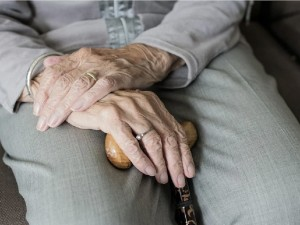 Режим самоизоляции введен в Москве для пожилых и с хроническими заболеваниями людей