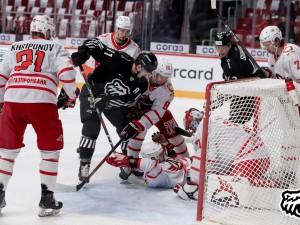 Челябинский «Трактор» неудачно начал чемпионат КХЛ, проиграв дома «Автомобилисту»