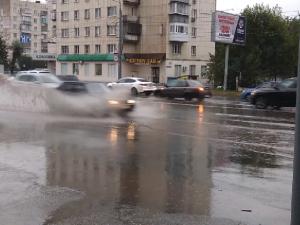 Челябинск вновь затопило – дороги оказались не готовы к сильным дождям