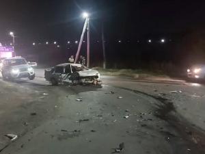 Южноуралец въехал в бетонное ограждение и разбился насмерть