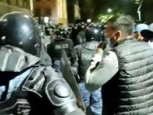 Силовики переходят на сторону восставшего народа в Бишкеке?