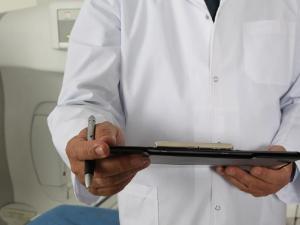 Спецкомиссия минздрава проверит поликлиники Челябинской области из-за жалоб на очереди