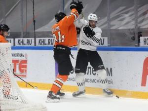 «Трактор» выиграл у «Амура» и поднялся на 5 место в Восточной конференции КХЛ