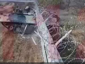 Пьяный механик-водитель БТР протаранил забор аэропорта