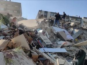 120 пострадавших и 4 погибших насчитали при землетрясении в Турции