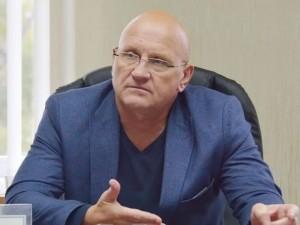 Он голосовал за повышение пенсионного возраста. Депутат Константин Слыщенко, бывший военный моряк