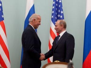 Байден позволил себе шутить над Путиным