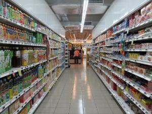 Полицейский несколько месяцев воровал еду в одном из магазинов Магнитогорска