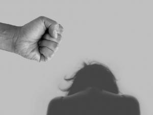 Южноуральца, избившего жену до смерти, приговорили к трем годам лишения свободы