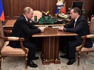 Путин и Медведев смогут претендовать на два президентских срока каждый