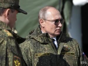 Путина от отставки удерживает гибридная война: мнение эксперта