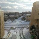 Снег может быть удивительным зрелищем, даже если наступила зима