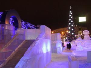 В Челябинске открыли ледовый городок за 6 миллионов 700 тысяч рублей