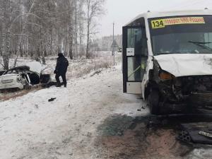 В Челябинской области в аварии разбились две девушки, водитель одной из них находится в коме
