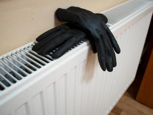 Без отопления и горячей воды остались жильцы 100 домов в Екатеринбурге