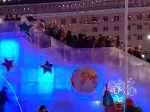 Как в «космическом» ледовом городке в Челябинске вспомнилось московское метро