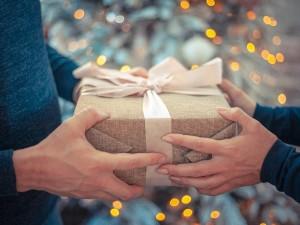 Список желаемых на Новый год подарков озвучили в резиденции Деда Мороза